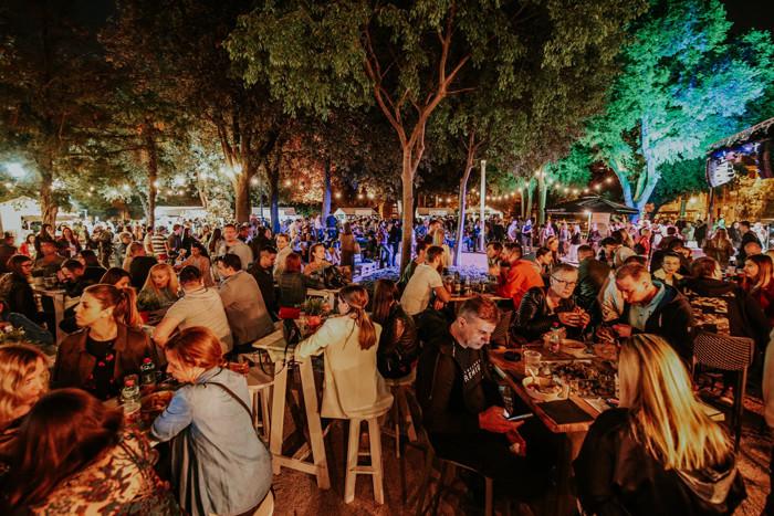 Split Spring Festival, Đardin