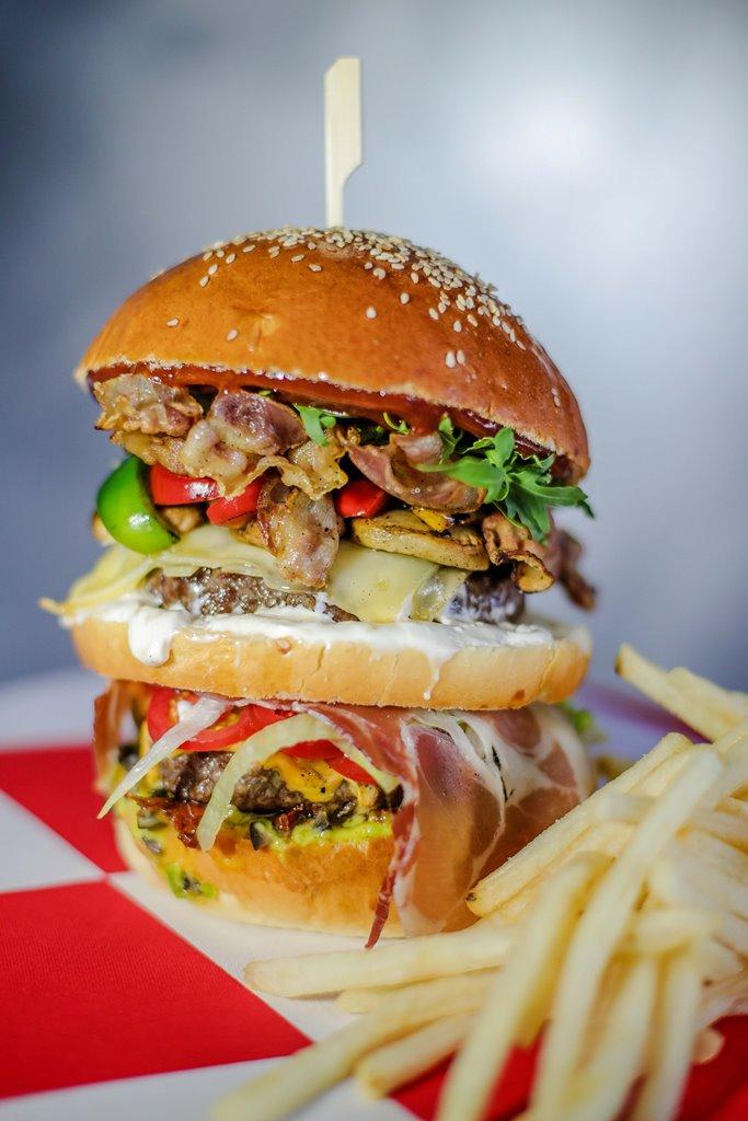 instafood burger euro 2020